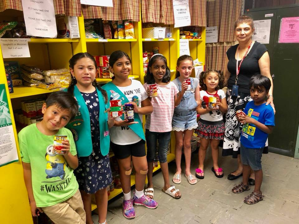 Our Girl Scouts (Daisies) Visited our Food Pantry